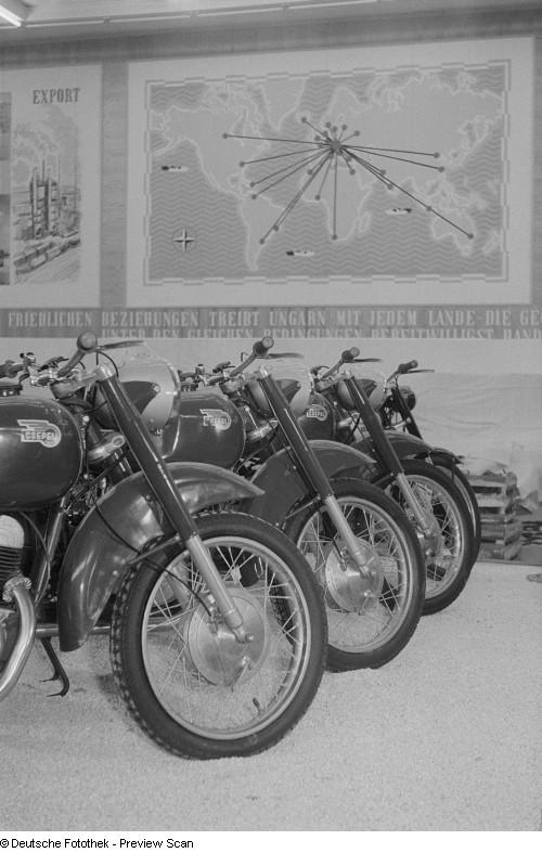 Quelles motos en Hongrie ? Df_roe-neg_0006813_004