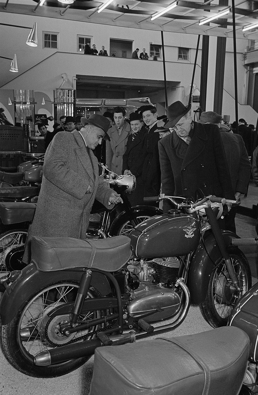 Quelles motos en Hongrie ? Df_roe-neg_0007045_008
